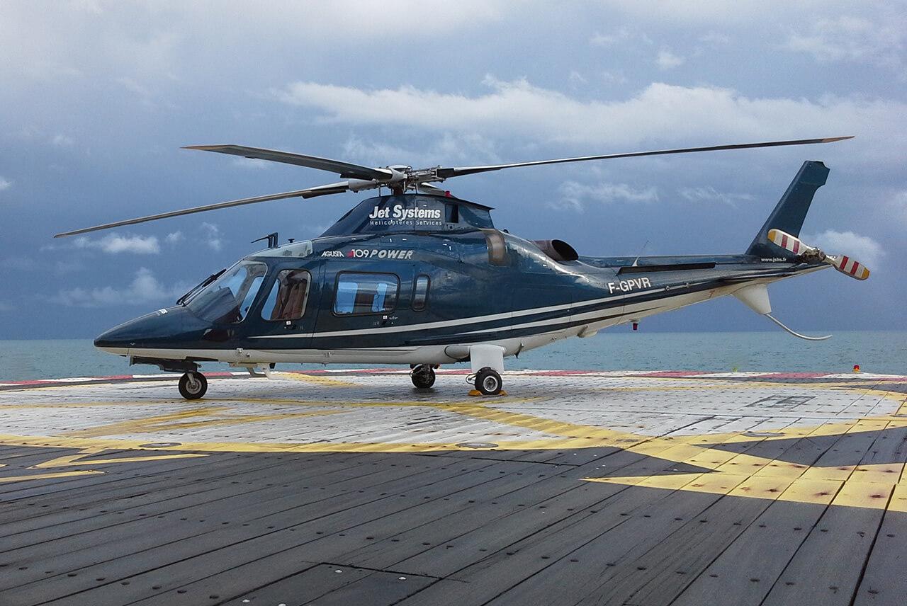 La flotte d h licopt res mono et bi turbine jet systems for Interieur helicoptere